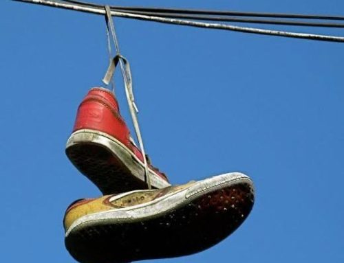 C! News Investigation: Do shoes over power lines mean there's a drug den nearby?